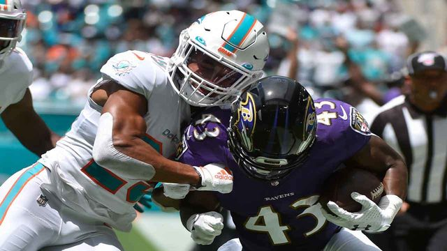It's official: Dolphins deal Minkah Fitzpatrick to Steelers