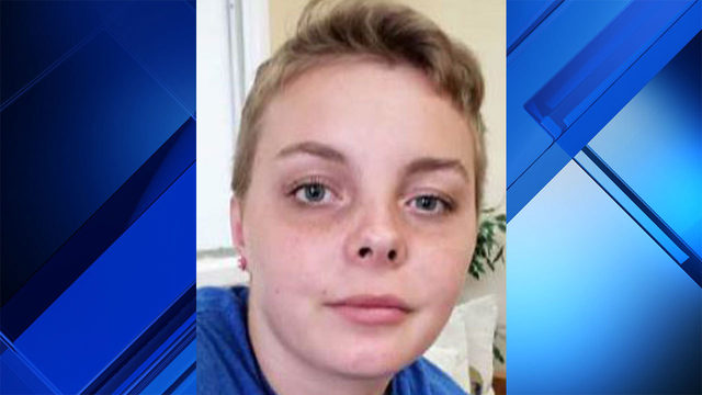 Detectives search for teenage girl allegedly held hostage by man