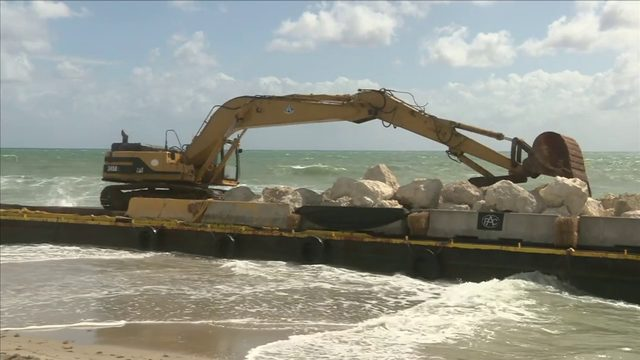 Barge, tug boat run aground in Deerfield Beach