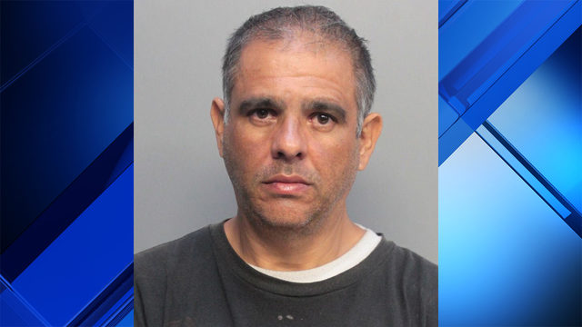 Man accused of pulling out knife on woman at Dolphin Mall
