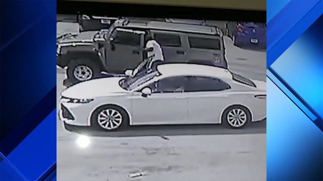 About 20 vehicle titles stolen from inside Hummer in Opa-locka