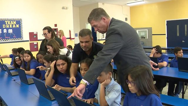 DHL donates laptops to South Florida school in need