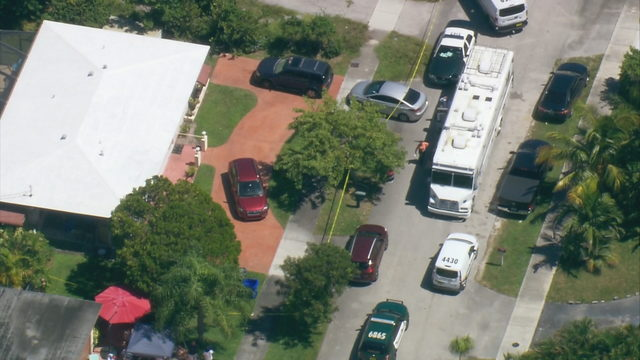 2 people found dead at Deerfield Beach home, deputies say