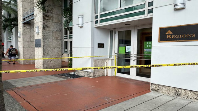 Bank robbery reported on Washington Avenue in Miami Beach