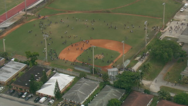 WATCH LIVE: Sky 10 above incident in Lauderdale Lakes