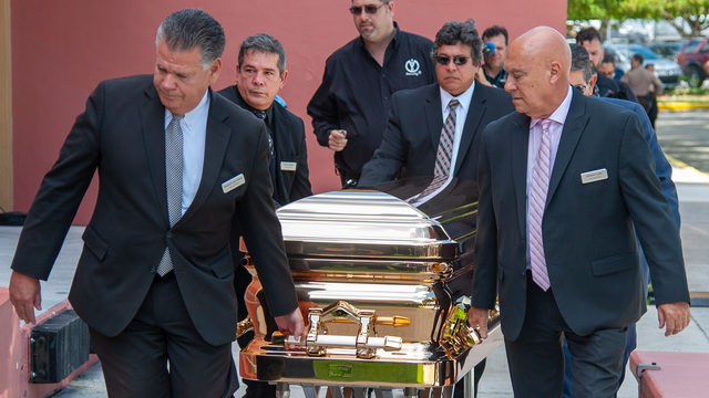 Hundreds gather to mourn iconic Mexican crooner at Miami wake
