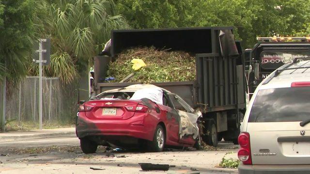 Fiery wreck leaves 1 dead in Lauderdale Lakes