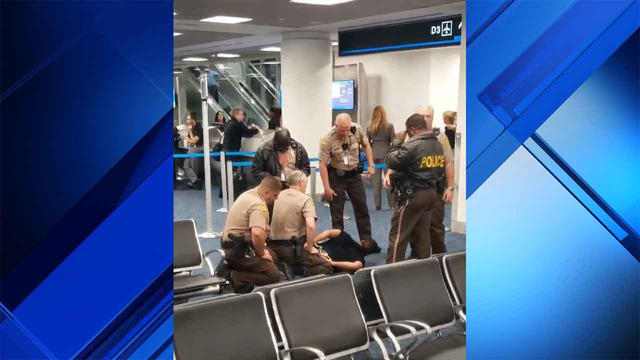Passenger bypasses gate agent, runs onto plane at Miami International Airport