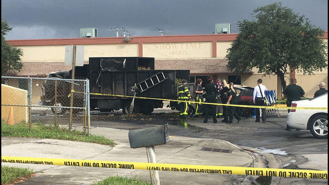 Fiery wreck leaves 1 dead in Lauderdale Lakes