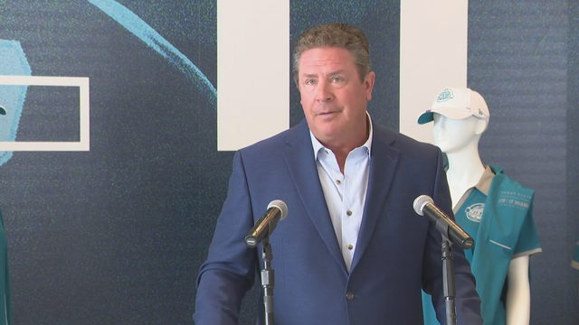 'We should have a Super Bowl every year here,' Dan Marino says
