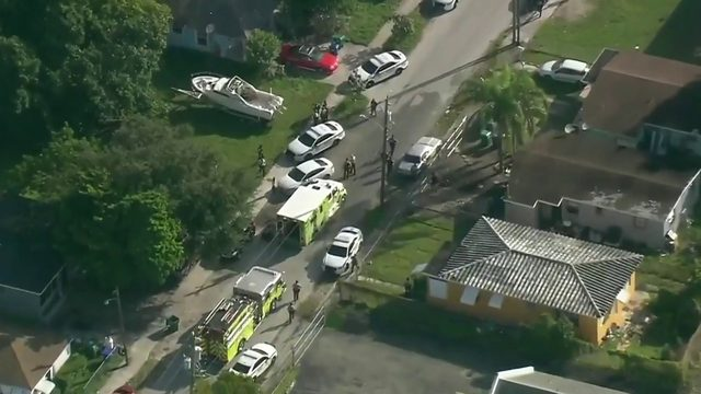 Man shot, rushed to hospital in northwest Miami-Dade, police say