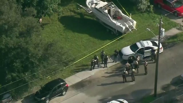 Police search for shooter in northwest Miami-Dade