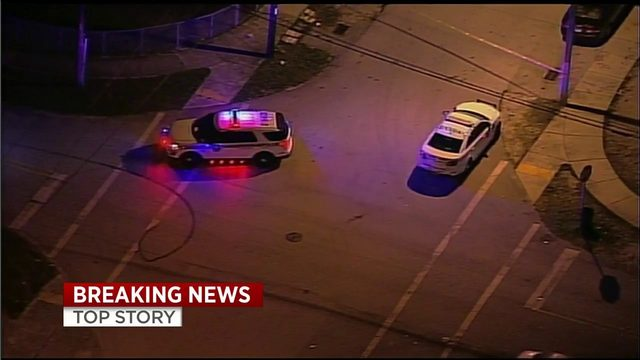 Officers investigating ER entrance in Miami shooting