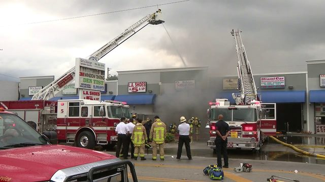Fire damages businesses at strip mall in Miami