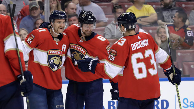 Panthers survive brutal October schedule, hitting stride in Quenneville's system