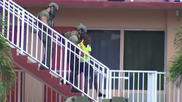 SWAT deputies swarm Plantation hotel searching for burglary suspect