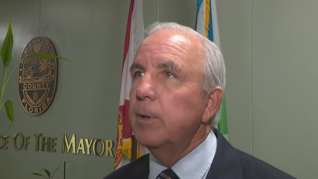Miami-Dade mayor meets with commissioners to discuss Formula 1 race