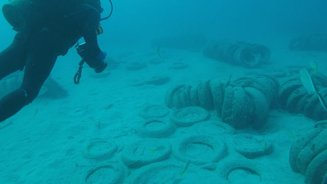 Hundreds of thousands of tires being removed off Fort Lauderdale coast