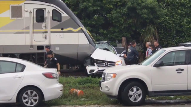 1 dead after Brightline train slams into SUV in Aventura