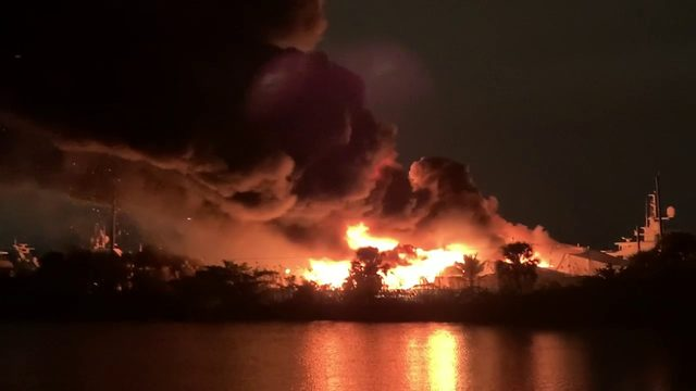 Yachts catch fire in Fort Lauderdale