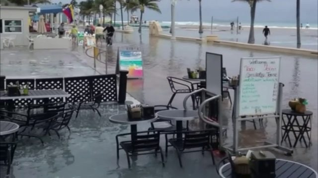 King tide flooding causing issues for businesses along Hollywood Beach