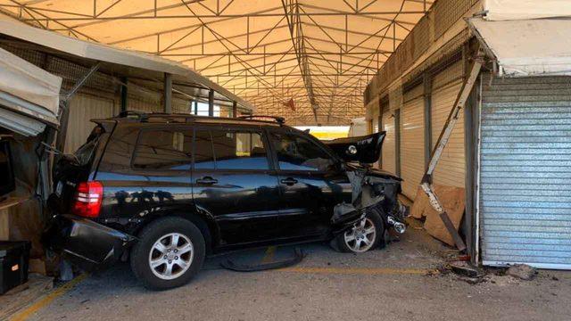 SUV slams into Swap Shop in Lauderhill