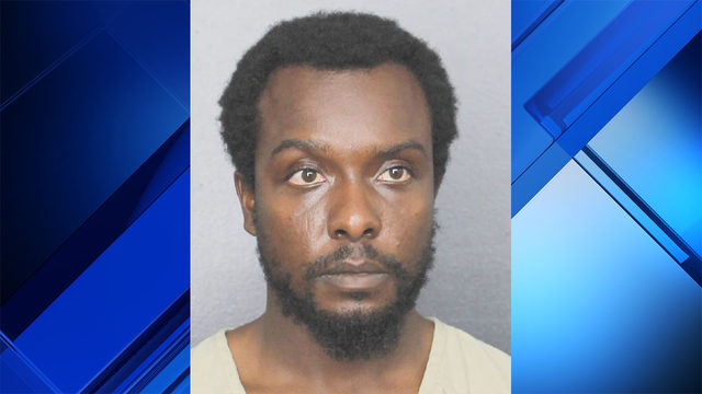 Lauderhill man runs for his life, hides from gunman in neighbor's laundry room